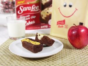 aaaa  Sara-Lee-Brownie-Chocolate-Chip-Cakes-0241-med-300x225