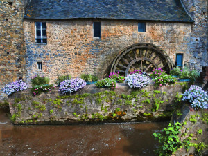 aaa waterwheel-in-brittany-dave-mills